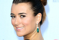 New-ways-to-wear-topknots-side